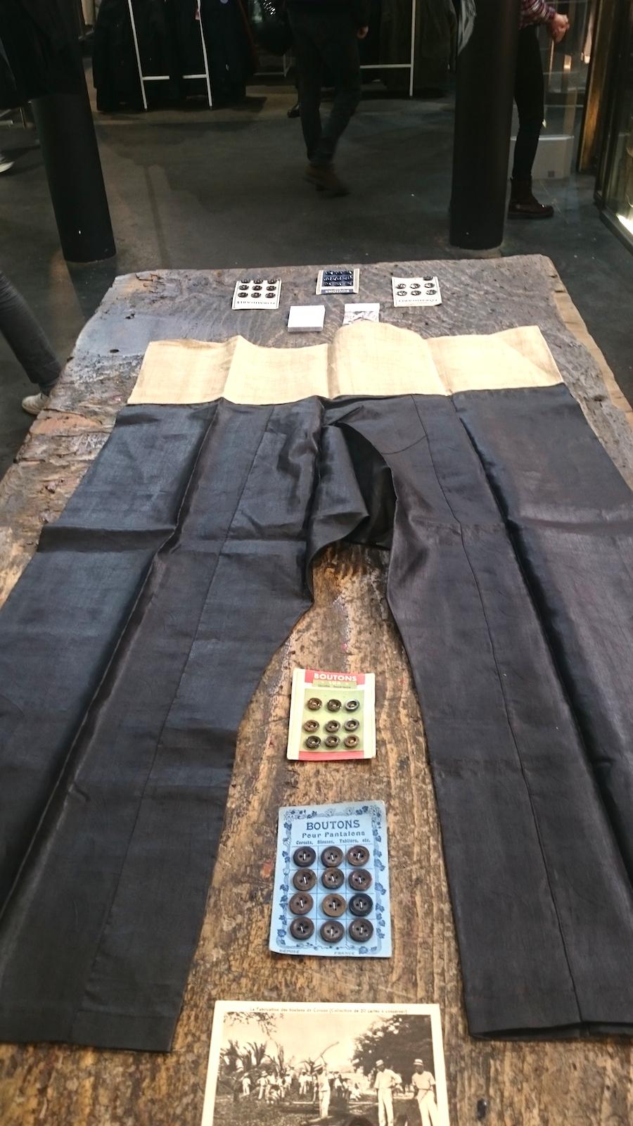Pantalon de zouave (esclaves) des colonies françaises: fibre d'ananas et soie + soie
