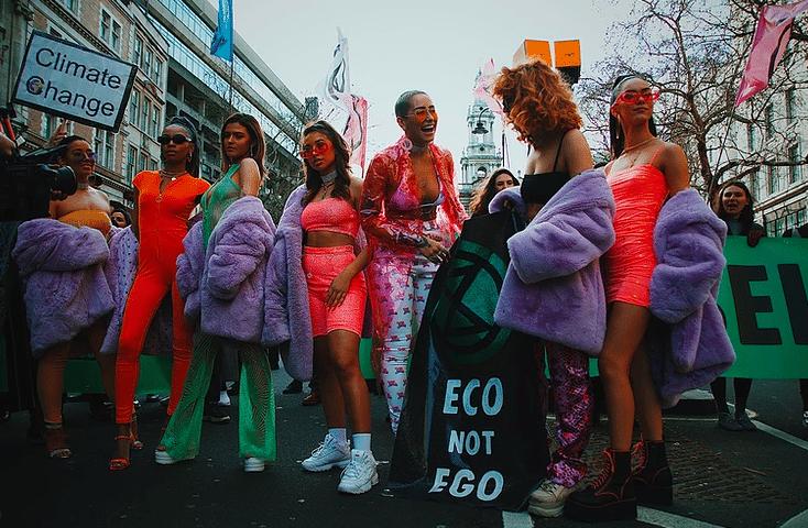 extinction rebellion fashion action pourquoi une fashion week responsable wa off