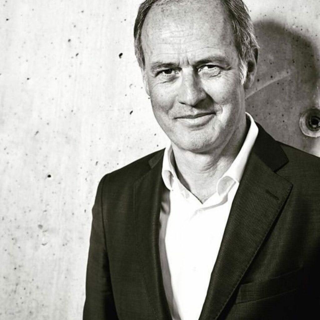Xavier-Romatet Directeur de l'IFM et jury certificat développement durable, chaire sustainability Institut français de la mode Kering